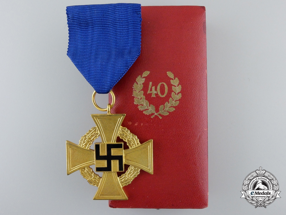 eMedals-A German Faithful Service Decoration for Forty Years' Service; 1st Class with Case