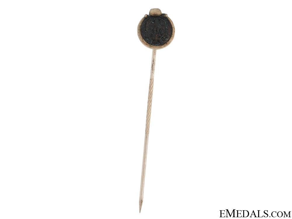 eMedals-East Medal Stickpin