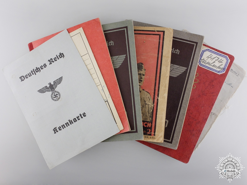 eMedals-Eight Second War Period German Documents & Booklets