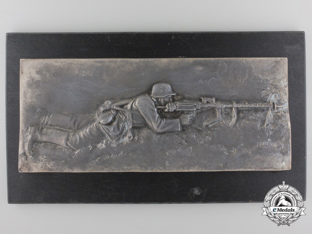 eMedals-A Large Second War Army Machine Gunner Plaque