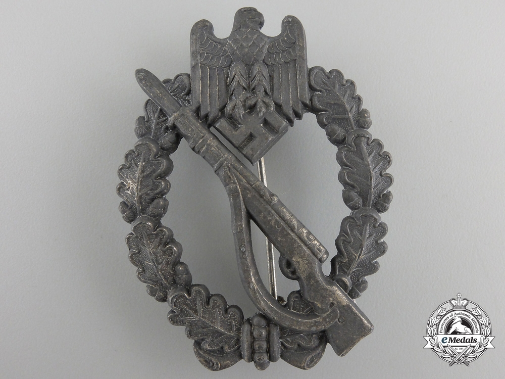 eMedals-A Silver GradeInfantry Badge