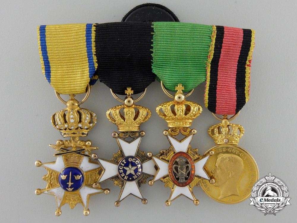 eMedals-A Fine Miniature Swedish Miniature Group in Gold