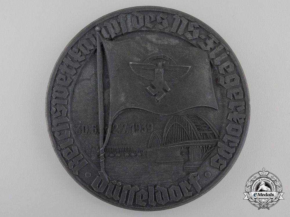 eMedals-An NSFK 1939 Fliegerkorps Table Medal