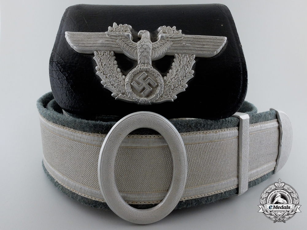 eMedals-A German Police Officer's Dress Cross Belt with Buckle & Pouch
