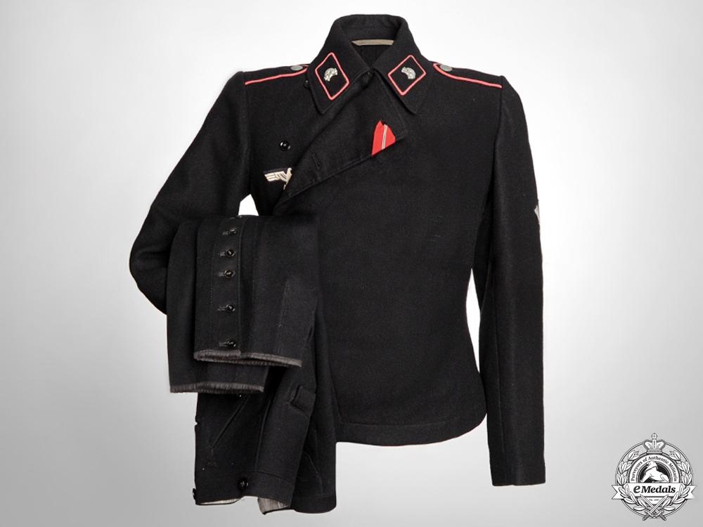 eMedals-A Heer Obergefreiter Panzer Uniform