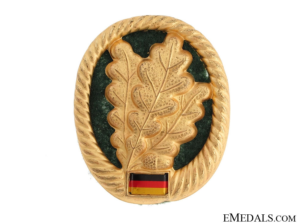 eMedals-Infantry Officer's Cap Badge