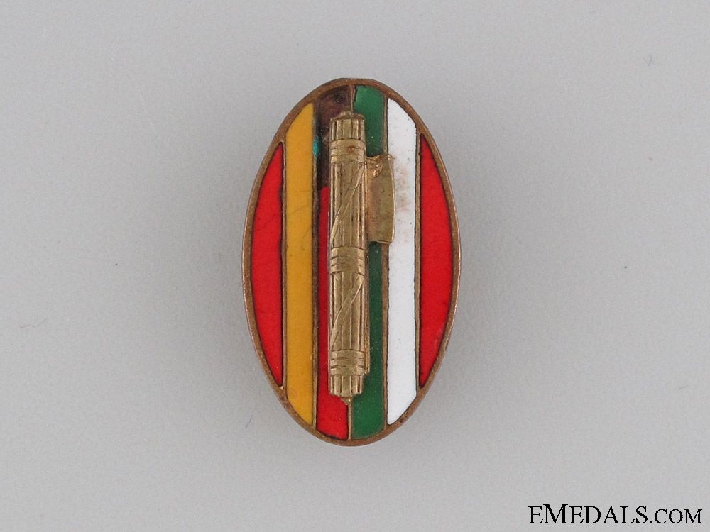 eMedals-Italian Fascist Legion in Spain Badge
