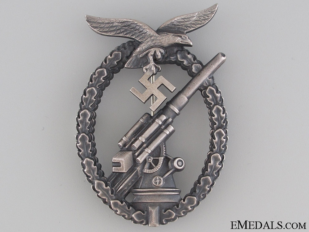 eMedals-Luftwaffe Flak Badge – Tombac with Ball Hinge