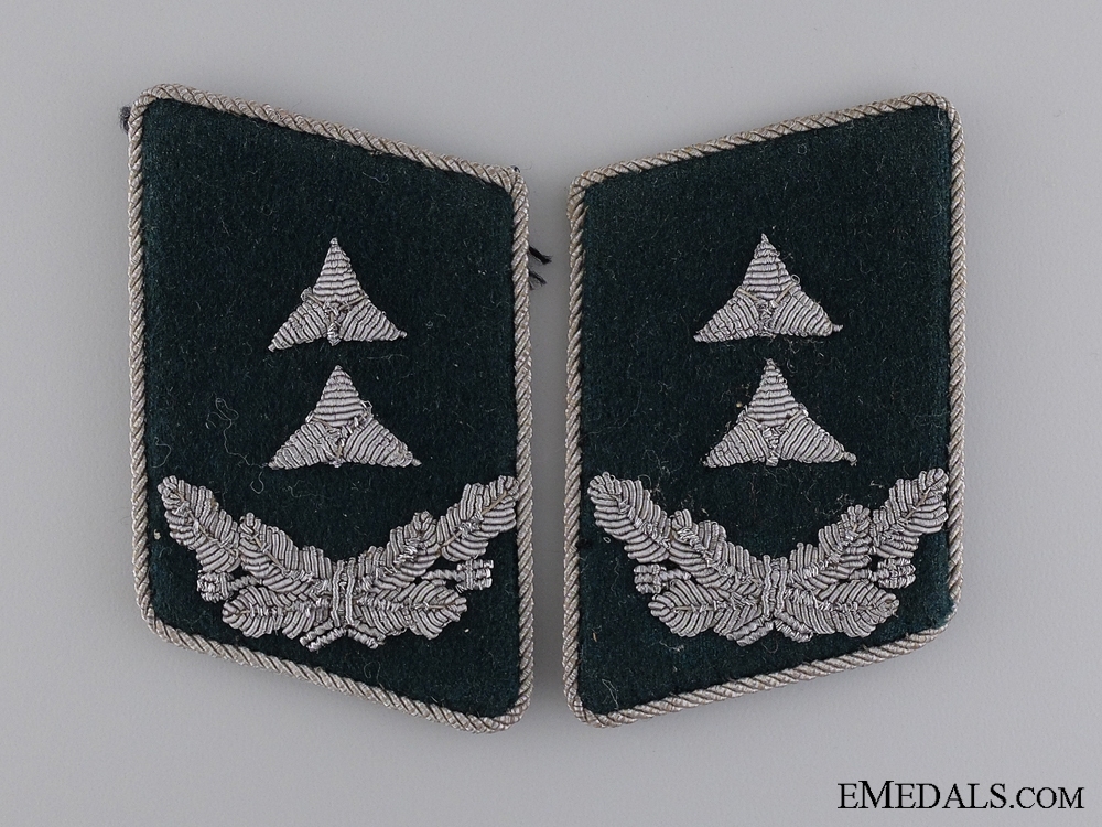 eMedals-Luftwaffe Official; Pay Level 4 Collar Tabs