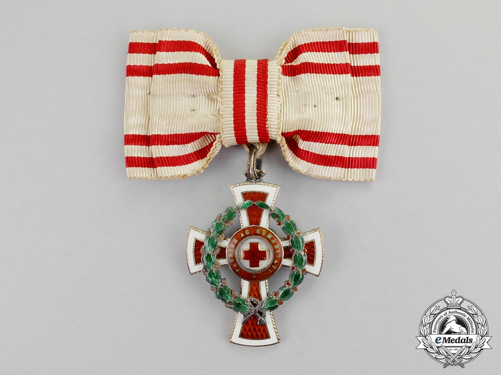 eMedals-Austria, Imperial. An Honour Decoration of the Red Cross; 2nd Class with War Decoration for Ladies