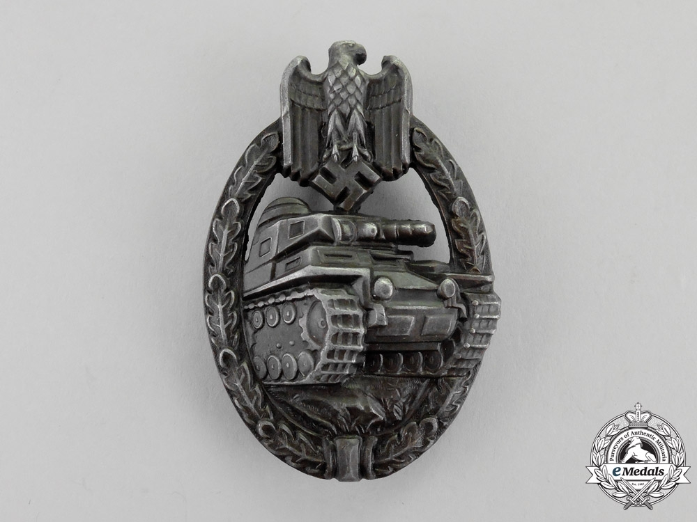 eMedals-Germany. A Bronze Grade Tank Badge by Wilhelm Deumer of Lüdenscheid