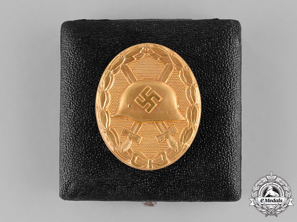 eMedals-Germany. A Cased Wound Badge, Gold Grade