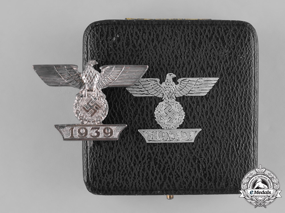 eMedals-Germany, Wehrmacht. A Cased Clasp to the I. Class Iron Cross 1939, First Type, by the Unknown Maker I