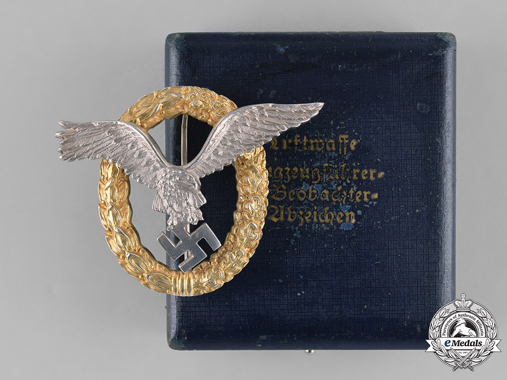 eMedals-Germany, Luftwaffe. A Cased Combined Pilot and Observer Badge by C.E. Juncker