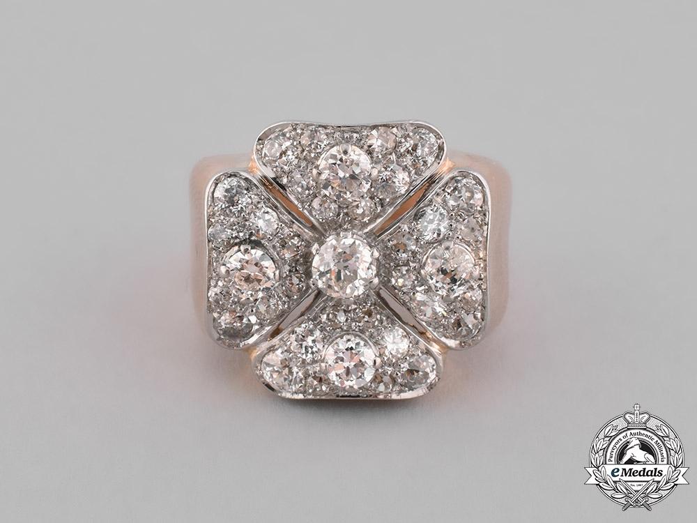 eMedals-Germany, Austria, United Kingdom. An Order of St. John/Johanniterorden Gentleman's Ring in Gold & Diamonds