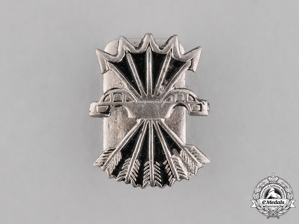 eMedals-Spain, Spanish State. A Spanish Fascist (Falange) Movement Lapel Badge