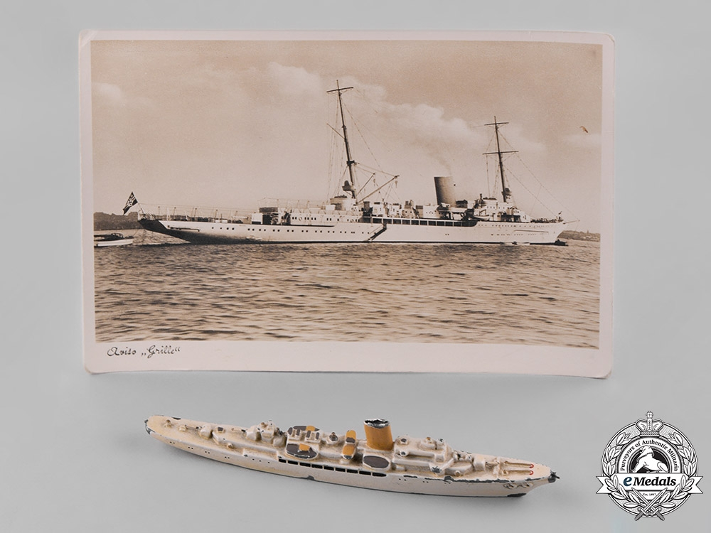 eMedals-Germany, Kriegsmarine. A Toy Model of AH's Aviso Grille by Wiking-Modell