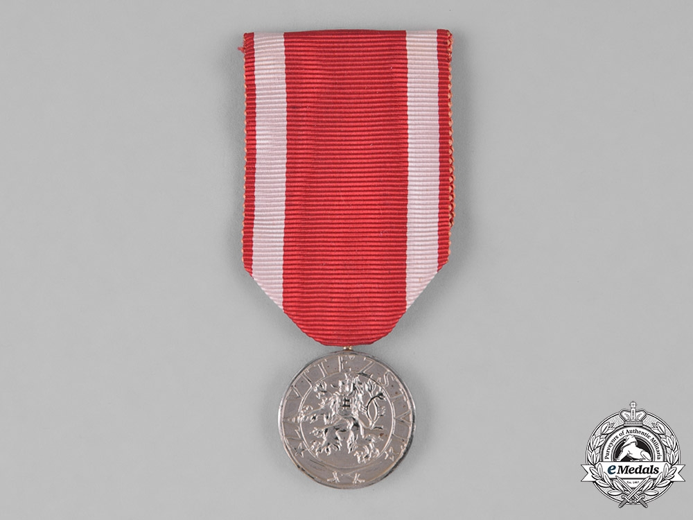 eMedals-Czechoslovakia, Republic. An Order of the White Lion, II Class Medal, by Karnet