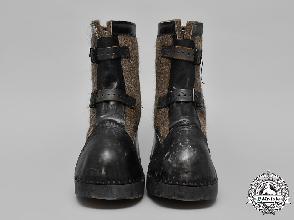 eMedals-Germany, Wehrmacht. A Pair of Wehrmacht Winter Sentry Boots by Anton Bartowski, c. 1943