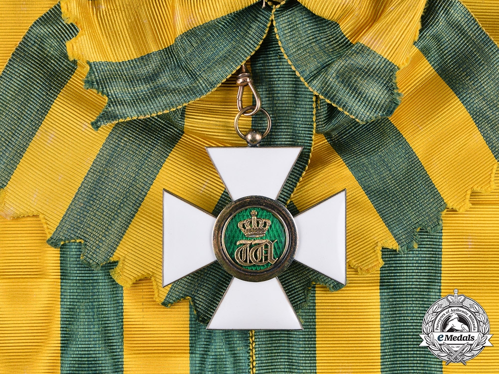eMedals-Luxembourg, Kingdom. An Order of the Oak Crown, I Class Grand Cross Badge, c.1920