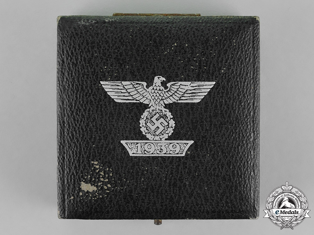 eMedals-Germany. A Case for a Clasp to the Iron Cross 1939 First Class, First Type