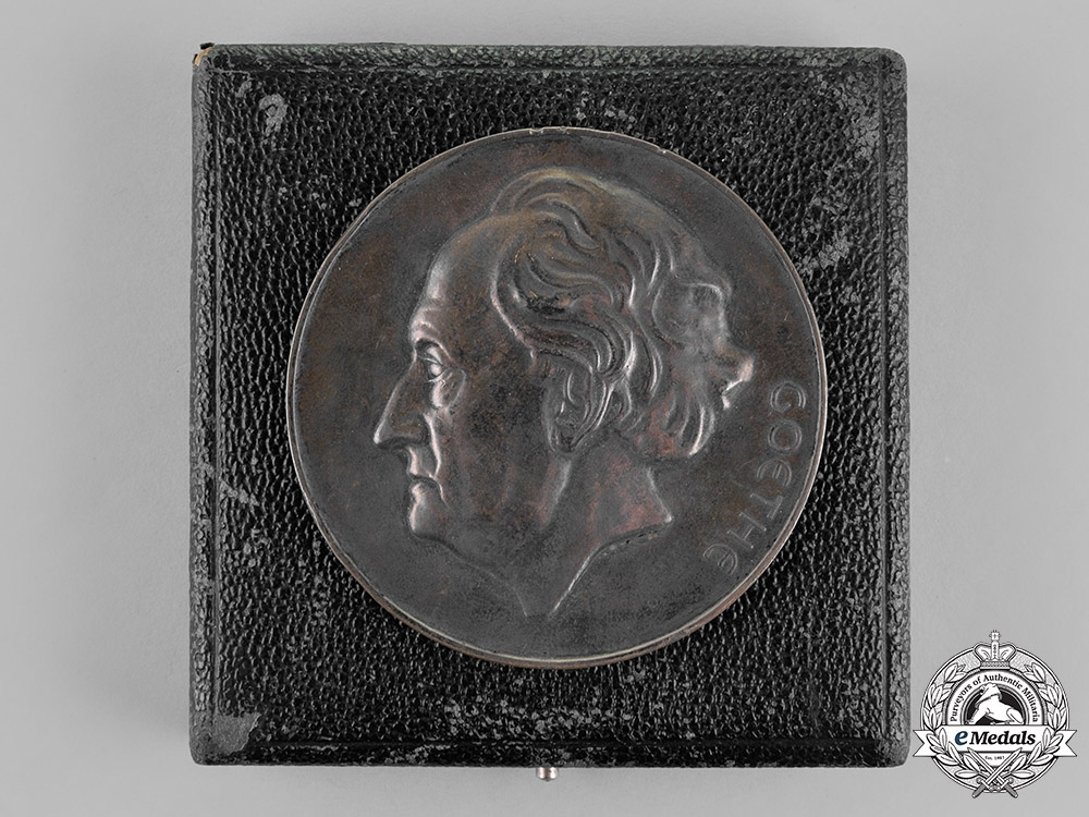 eMedals-Germany. A Cased 1932 Goethe Medal for Arts and Science to H. Bohle in its Case of Issue