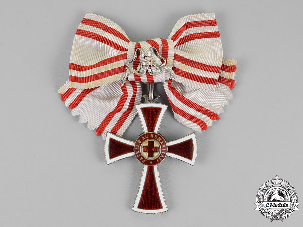 eMedals-Austria, Empire. An Honour Decoration of the Red Cross, First Class for Ladies, c.1915