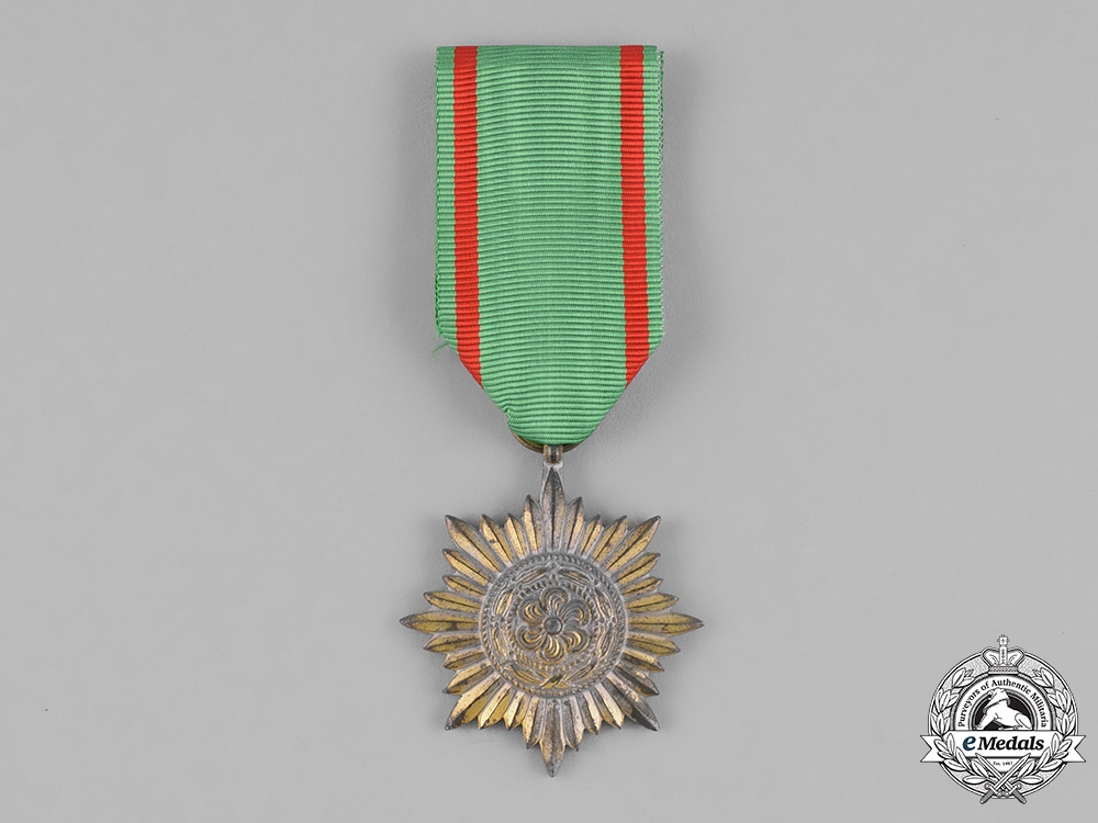 eMedals-Germany. An Eastern People Bravery Decoration, Second Class, in Gold, by Rudolf Wächtler