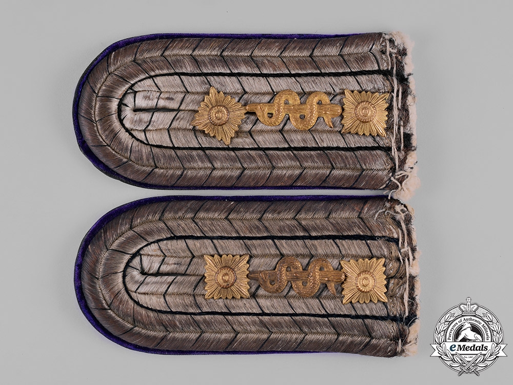 eMedals-Germany, Imperial. A Set of Army Medical Stabsarzt Shoulder Boards, c.1915