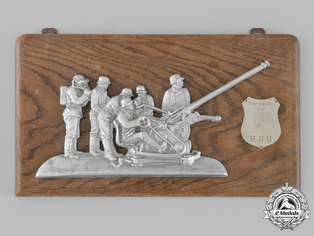 eMedals-Germany, Luftwaffe. A Rare 1938 Regiment General Göring Flak Shooting Plaque