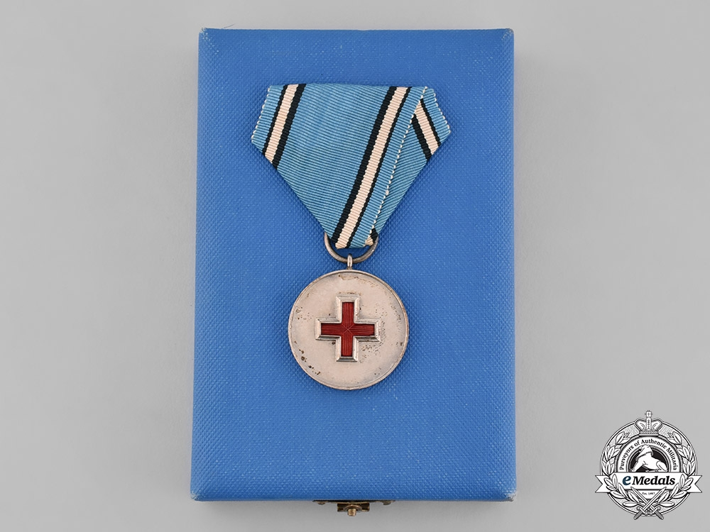 eMedals-Estonia, Republic. A Medal of the Estonian Red Cross with Case, by Roman Tavast