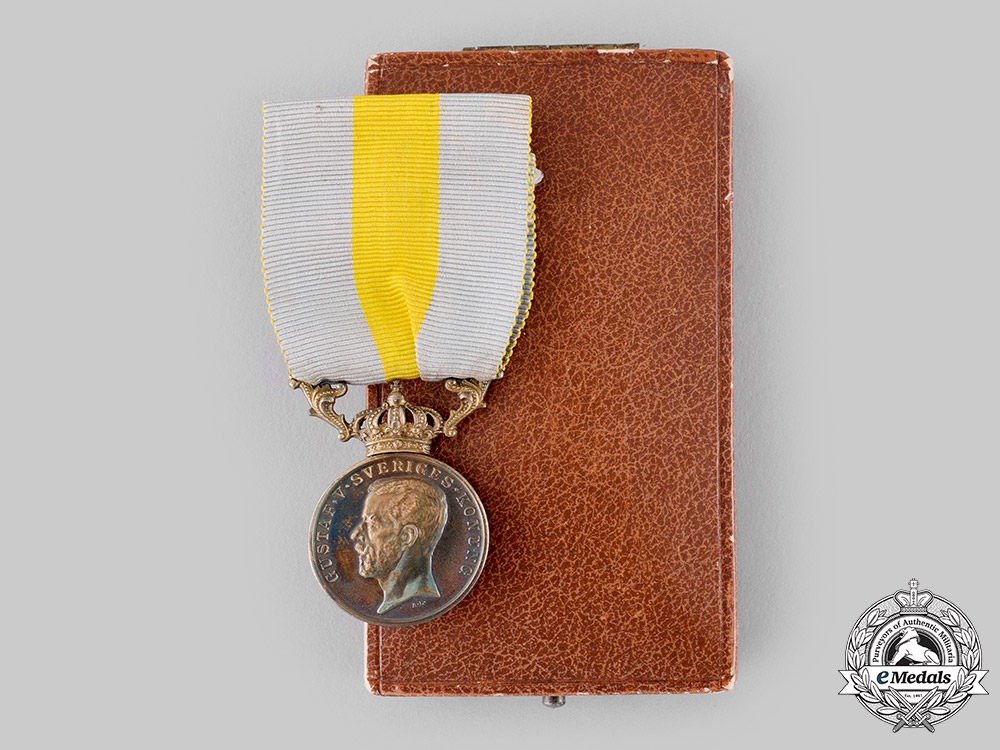 eMedals-Sweden, Kingdom. A Royal Red Cross Merit Medal for Volunteers, by C.F.Carlman