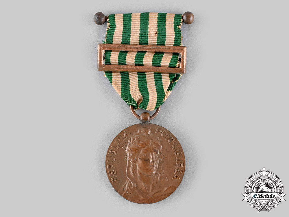 eMedals-Portugal, Republic. An Exemplary Conduct Silver Medal c.1910