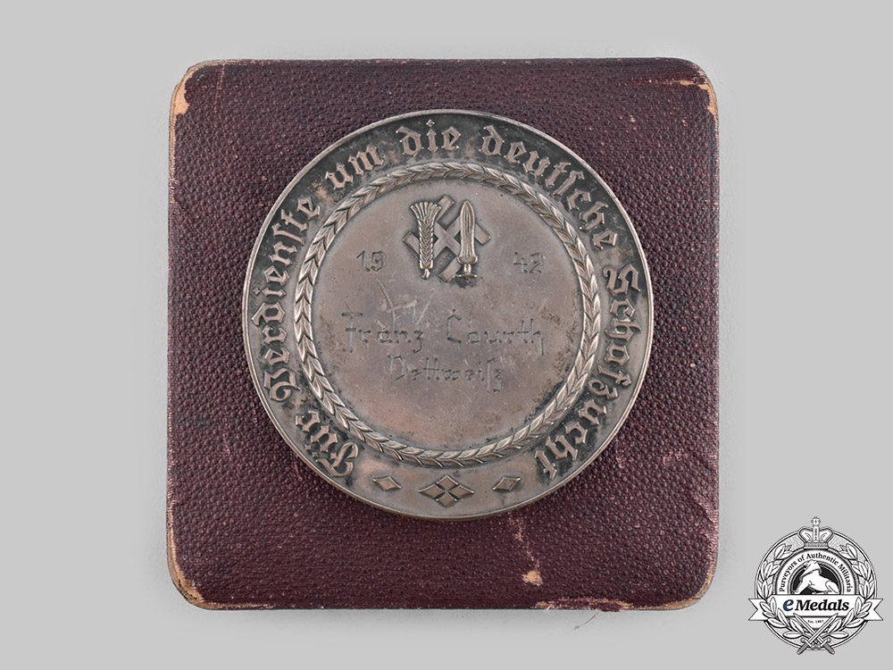 eMedals-Germany, RNST. A 1942 Reichsnährstand Distinguished Sheep Breeding Medal, with Case, to Franz Courth