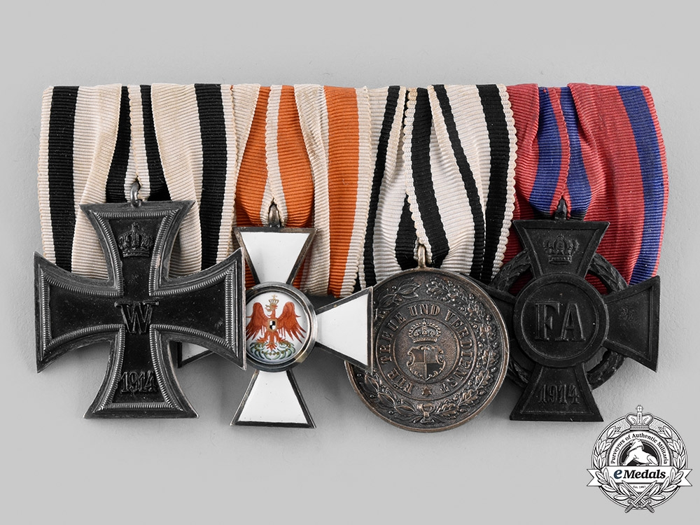 eMedals-Germany, Imperial. A Non-Combatant EK & Red Eagle Medal Bar
