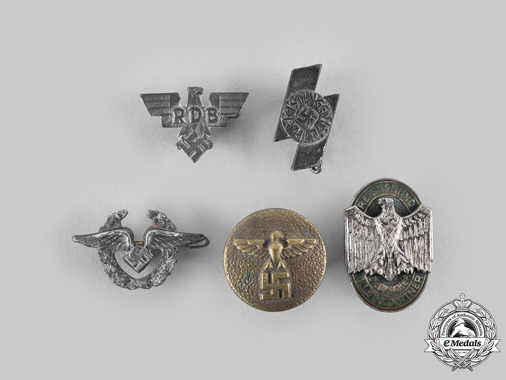 eMedals-Germany, Third Reich. A Mixed Lot of Badges