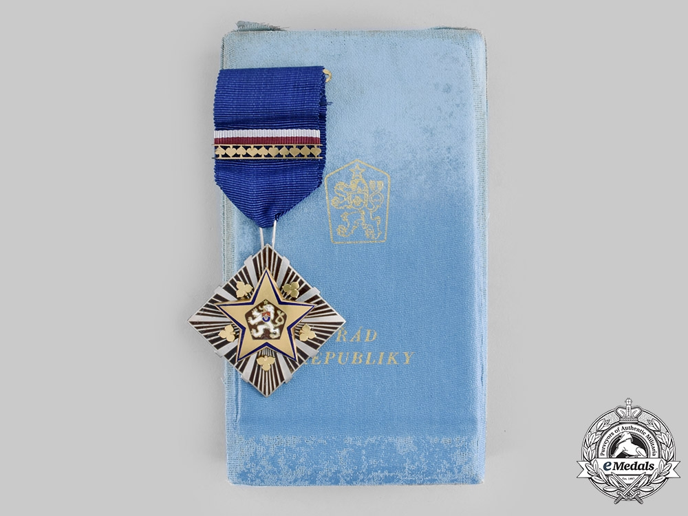 eMedals-Czechoslovakia, Socialist Republic. An Order of the Republic with Case, c.1955