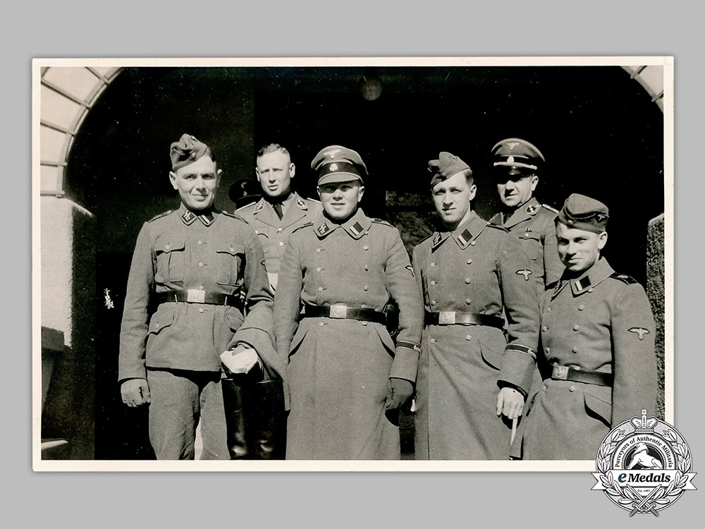eMedals-Germany, SS. A Photograph of SS-Verfügungstruppe Personnel