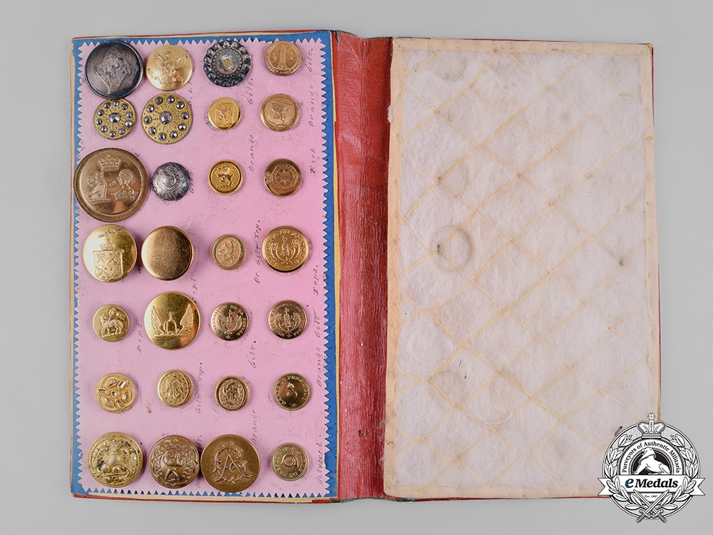 eMedals-United Kingdom. A Mid-19th Century Button Collection