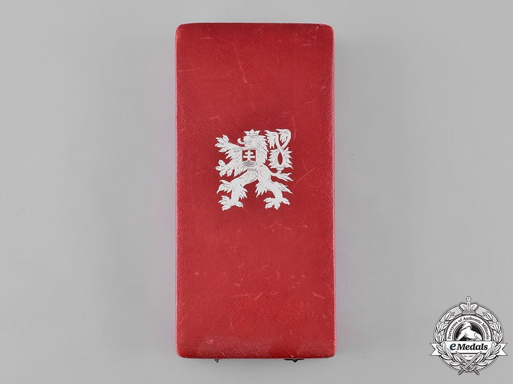 eMedals-Czechoslovakia, Republic. An Order of the White Lion, II Class Grand Officer with Swords Case