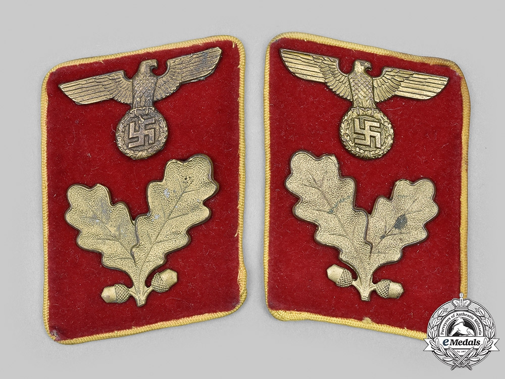 eMedals-Germany, NSDAP. A Set of Reichs-Level Bereichsleiter Collar Tabs