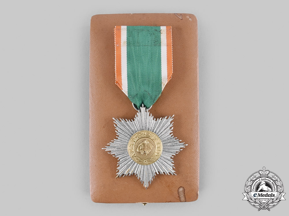 eMedals-India. An Order of Azad Hind, II Class Star with Case, by Rudolf Souval