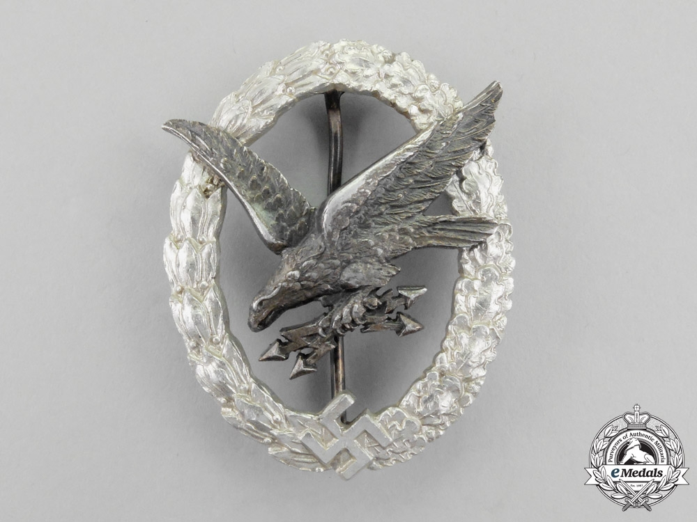 eMedals-Germany, Luftwaffe. A Radio Operator Badge with Lightning, in Aluminum, by C. E. Juncker