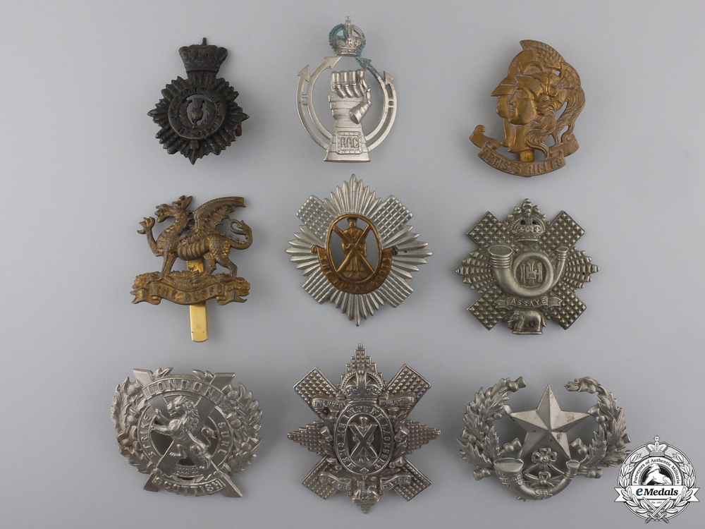 eMedals-Nine First War British Cap Badges