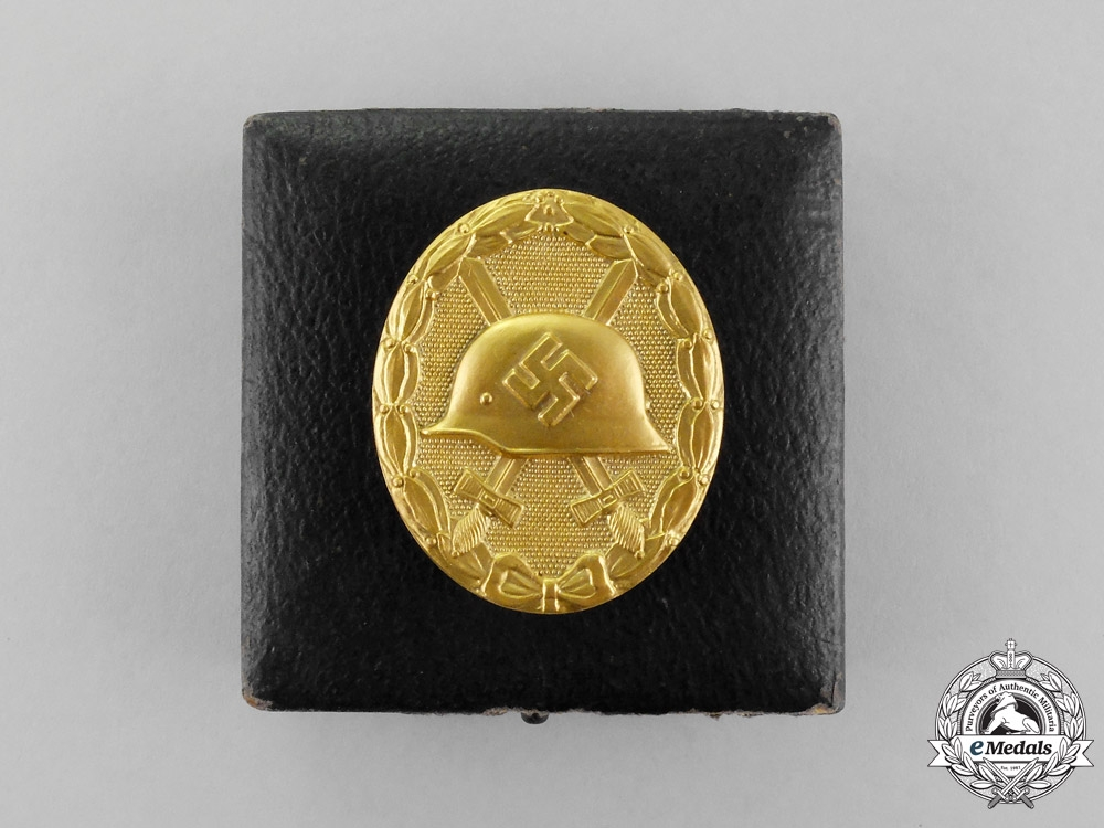 eMedals-A Mint Cased Second War German Gold Grade Wound Badge by the Official Vienna Mint