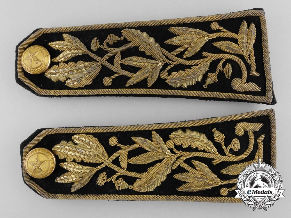 eMedals-A Pair of French Foreign Legion officer's Shoulder Boards