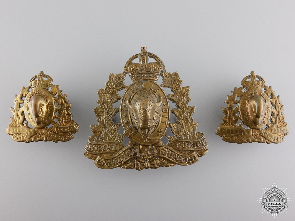 eMedals-Second War Period RCMP Cap Badge & Collar Badges
