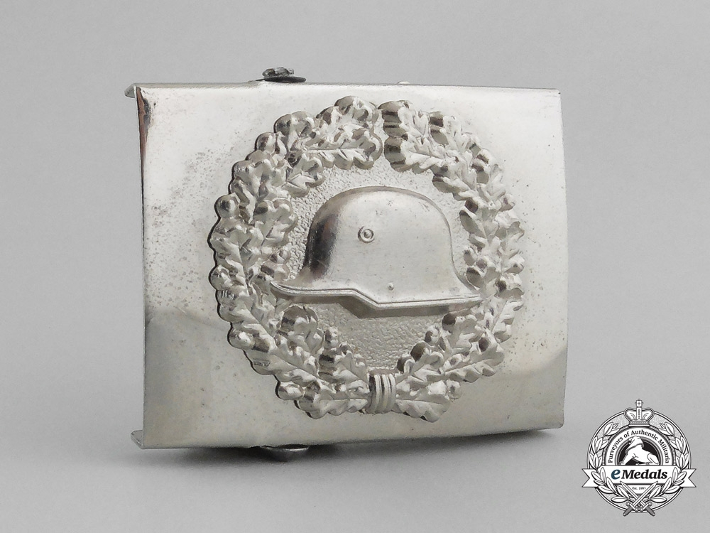 eMedals-An Unusual German Steel Helmet (Der Stahlhelm) Veteran's Belt Buckle