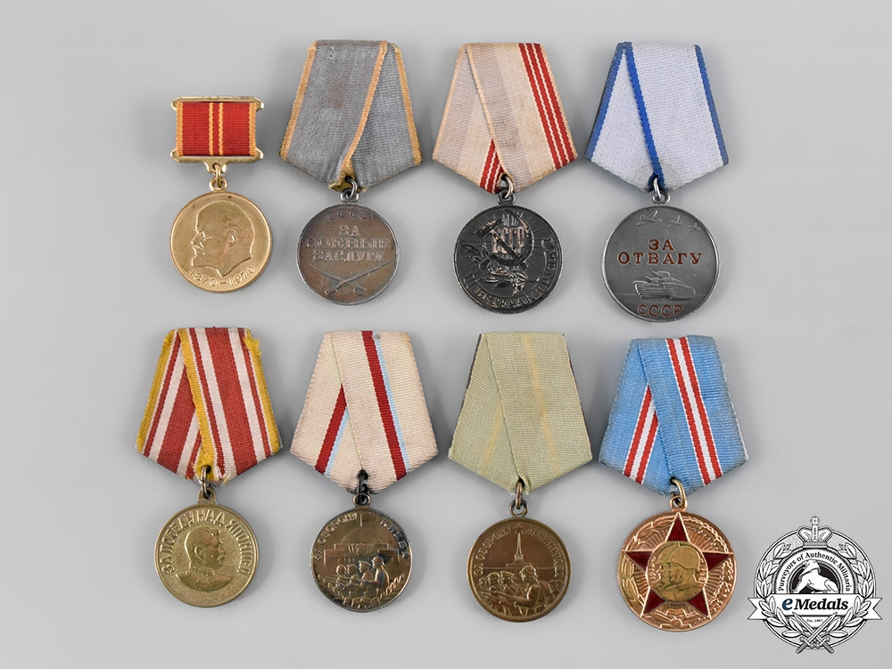 eMedals-Russia, Soviet Union. A Lot of Eight Medals & Awards