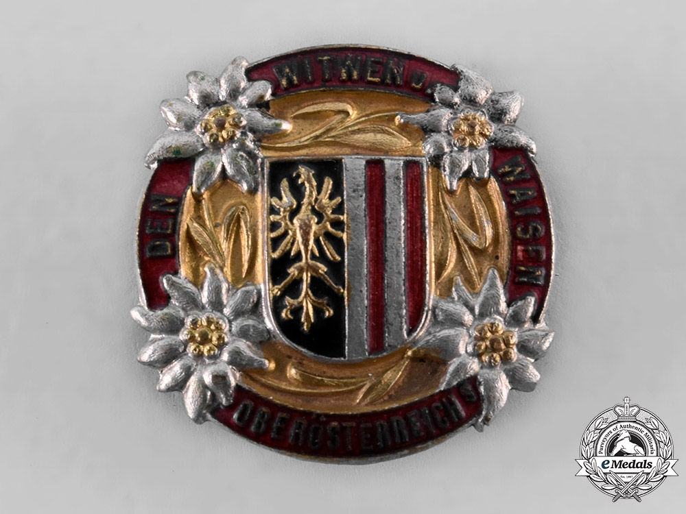 eMedals-Austria, Imperial. A Widows and Orphaned Children of Austria Pin